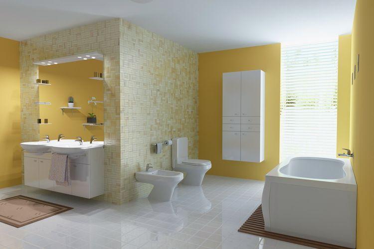 Warna kuning yang hangat untuk kamar mandi