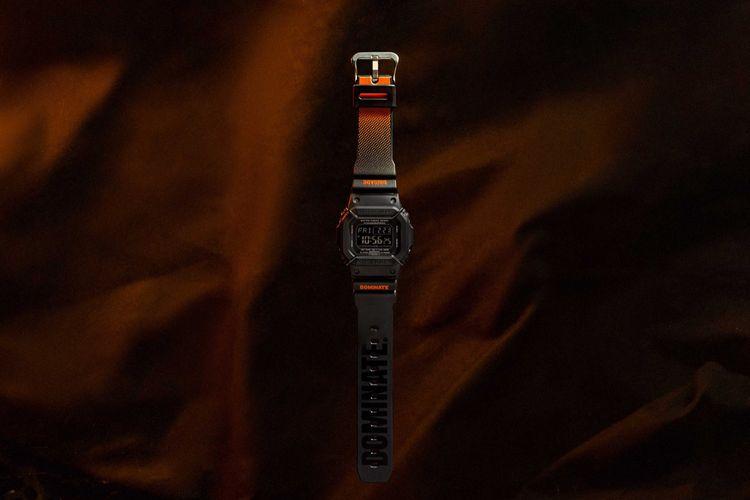 Casio -produsen G-Shock, menggandeng salah satu merek streetwear Indonesia, Dominate untuk membuat 100 jam tangan Dw-5600P
