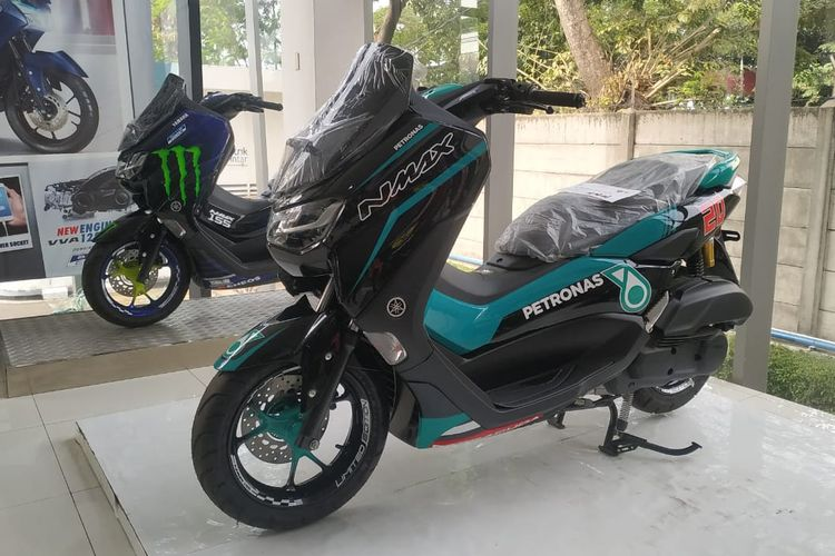 Nmax livery Petronas Yamaha SRT