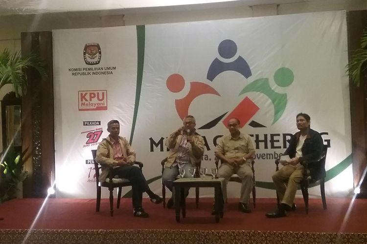 Diskusi Komisi Pemilihan Umum (KPU) RI dan wartawan dalam Media Gathering di Yogyakarta, Kamis (23/11/2017).