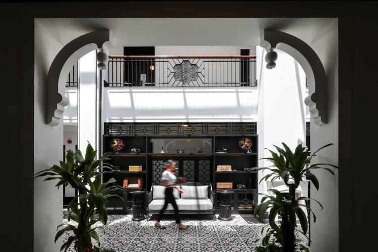 Hotel ini diberi nama Liu Men atau yang berarti enam pintu