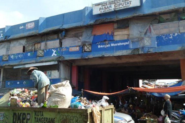 Pasar Ciputat, Tangerang Selatan.