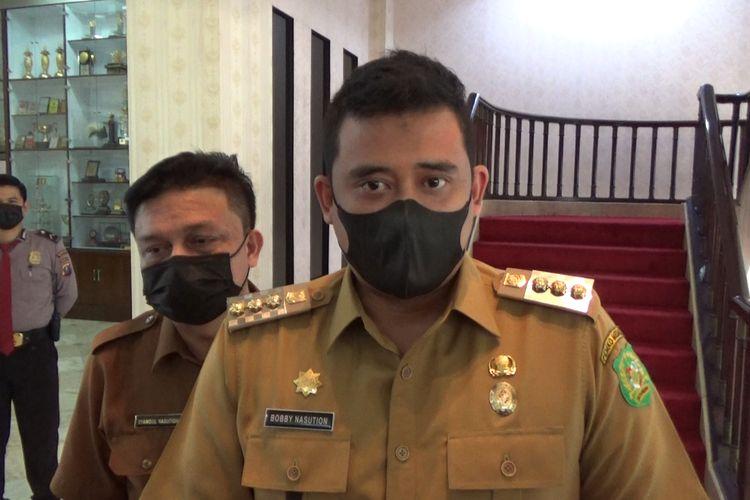 Wali Kota Medan, Bobby Nasution mencopot Muhammad Yasir Rizka dari jabatannya sebagai Camat Medan Maimun.