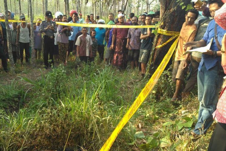 Masyarakat dihebohkan dengan penemuan sesosok mayat tanpa identitas di kawasan hutan wilayah Desa Sendang Wates, Kecamatan Kunduran, Kabupaten Blora, Jawa Tengah, Rabu (1/8/2018) pagi.?