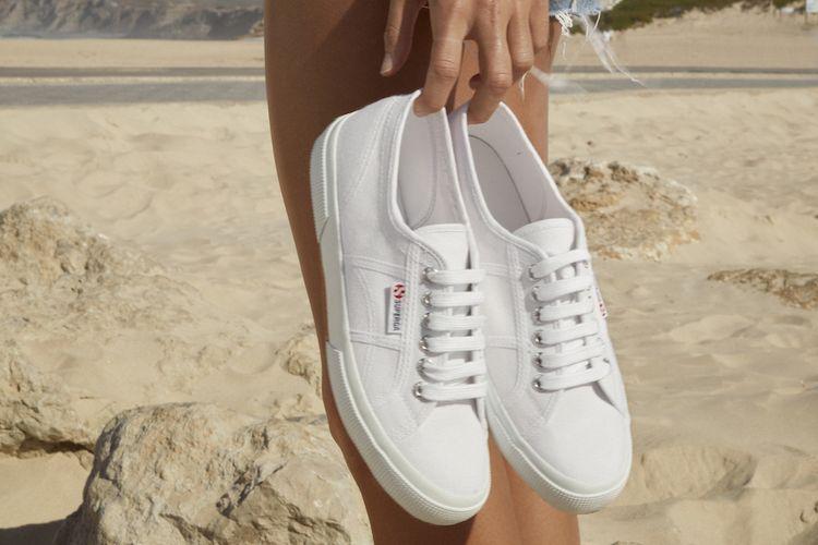 Sneaker Superga.