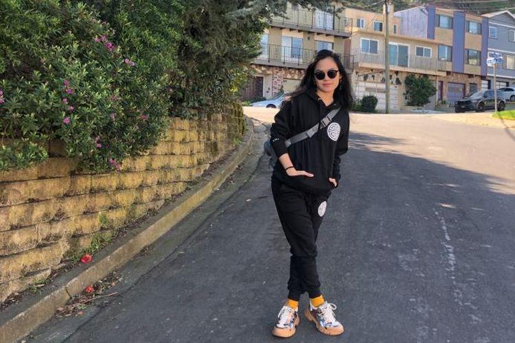 Sheryl Sheinafia saat melakukan rekaman di San Fransisco dan Los Angeles, AS.