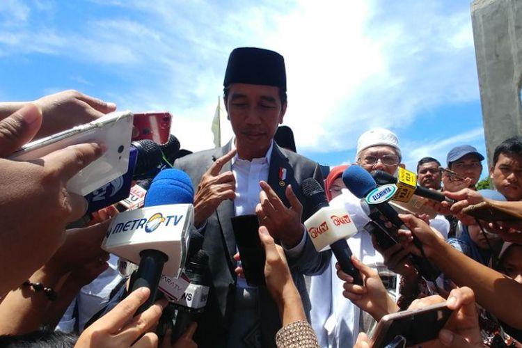 Presiden Joko Widodo mengunjungi pondok pesantren An Nawawi di Balaraja, Serang, Banten, Rabu (14/3/2018).