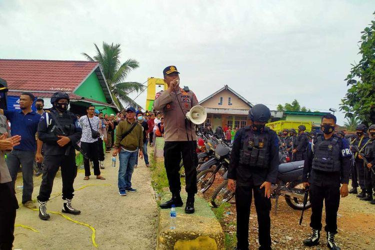 Lokasi penggerbekan kampung narkoba yang berada di Desa Surulangan Kecamatan Rawas Ulu, Kabupaten Musirawas, Sumatera Selatan, Sabtu (12/6/2021).