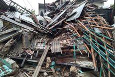 Hujan Deras dan Angin Kencang di Depok, Rumah 2 Lantai di Sawangan Ambruk