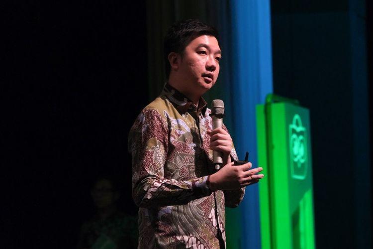 Co-Founder dan CEO Tokopedia, William Tanuwijaya saat mempresentasikan capaian Tokopedia selama 10 tahun dan dampaknya terhadap perekonomian di Indonesia.