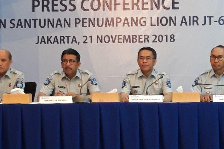 Press conference penyerahan santunan penumpang Lion Air JT 610 registrasi PK LQP di kantor Jasa Raharja, Kuningan, Jakarta Selatan, Rabu (21/11/2018)