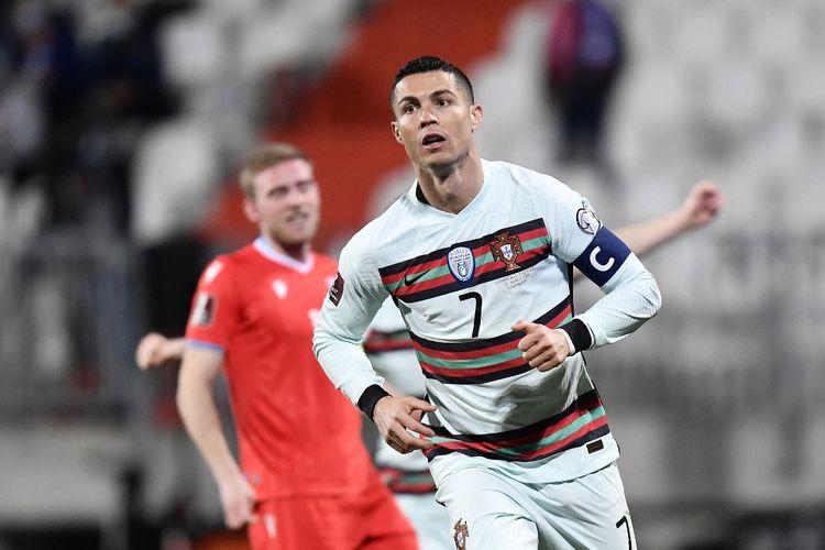 Penyerang timnas Porugal Cristiano Ronaldo merayakan golnya ke gawang Luksemburg pada laga matchday ketiga Grup A Kualifikasi PIala Dunia 2022 Zona Eropa di Stadion Josy Barthel, 30 Maret 2021.