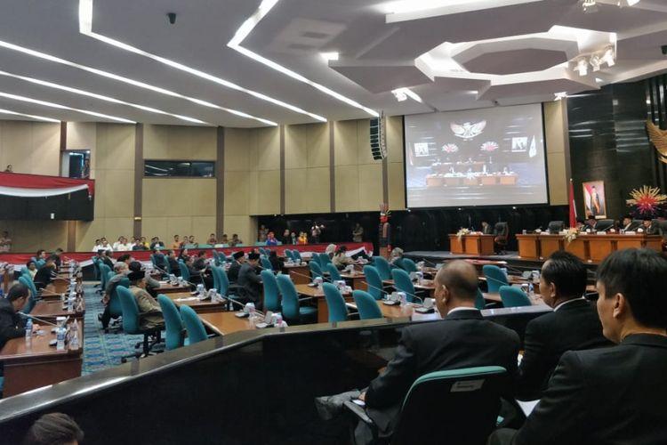 Rapat paripurna pengesahan perda APBD Perubahan DKI 2018 di gedung DPRD DKI Jakarta, Jalan Kebon Sirih, Jakarta Pusat, Kamis (27/9/2018).