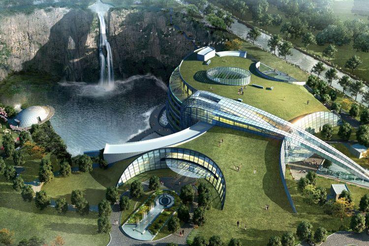 Hotel ini berada di lahan seluas lebih dari 5.600 meter persegi dan dilengkapi dengan 336 ruang kamar.