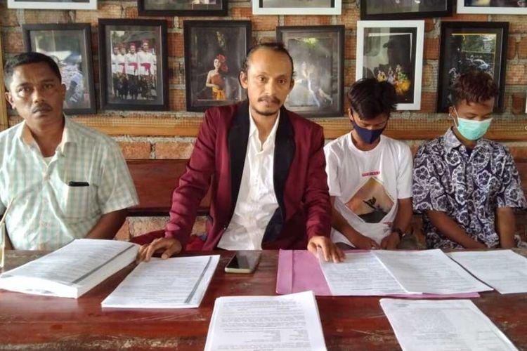 Memilukan, tiga orang anak dibawah umur inisial AG (12), RN (14) dan AJ (16) bersama MS (22), di Kecamatan Pasarwajo, Kabupaten Buton mengaku dipaksa dan disiksa untuk menjadi pelaku pencurian yang tidak mereka lakukan.