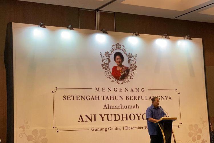 Presiden ke-6 RI Susilo Bambang Yudhoyono dan keluarga menggelar acara Mengenang Setengah Tahun Berpulangnya Almarhumah Ani Yudhoyono, di Gunung Geulis, Bogor, Jawa Barat, Minggu (1/12/2019).