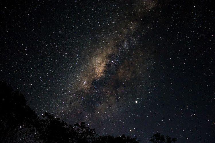 Bimasakti atau Milky Way yang Tersaji di Pos III Pendakian Gunung Sindoro via Tambi.