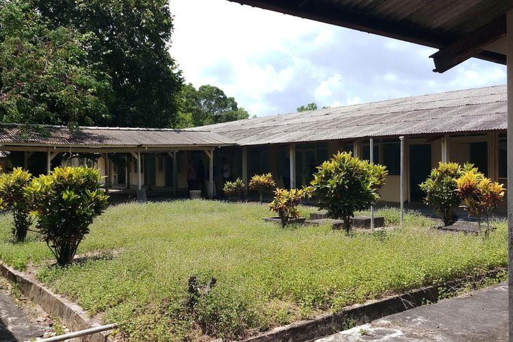 Selain strategis dan jauh dari pemukiman warga, fasilitas yang ada di pulau Galang sudah memadai, mulai dari listrik, air bersih hingga akses jalan menuju kelokasi juga sudah baik.