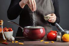 Kapan Waktu Tepat Taburkan Garam agar Rasa Makanan Enak?