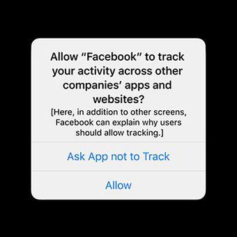 Prompt berisi pilihan menjaga privasi di iOS 14, yang menjadi poin keberatan Facebook atas kebijakan Apple.