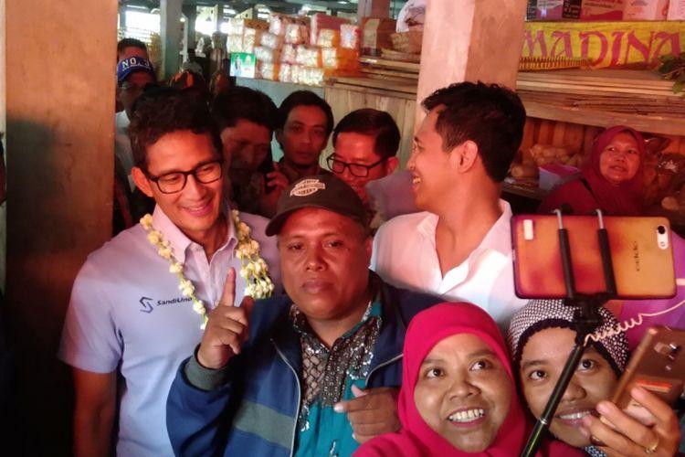 Cawapres Sandiaga Salahuddin Uno di Pasar Imogiri, Bantul, Jumat (12/10/2018)