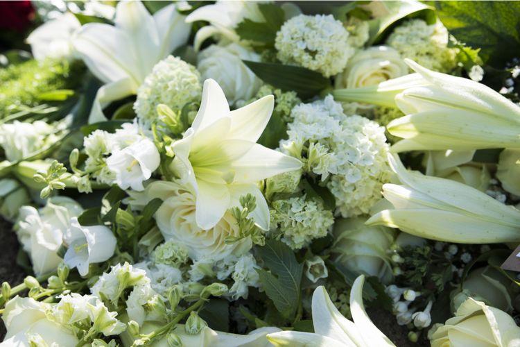 Ilustrasi bunga pemakaman.