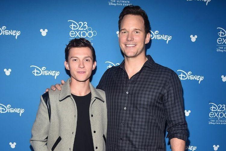 Aktor Tom Holland dan Chris Pratt menghadiri D23 Expo 2019 untuk memperkenalkan film Onward yang diproduksi Pixar di Anaheim Convention Center, Anaheim, California, Sabtu (24/8/2019). Film ini akan diputar pada 6 Maret 2020.