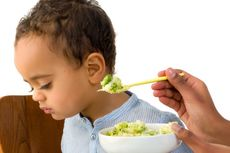 Trik Mengatasi Anak yang Susah Makan