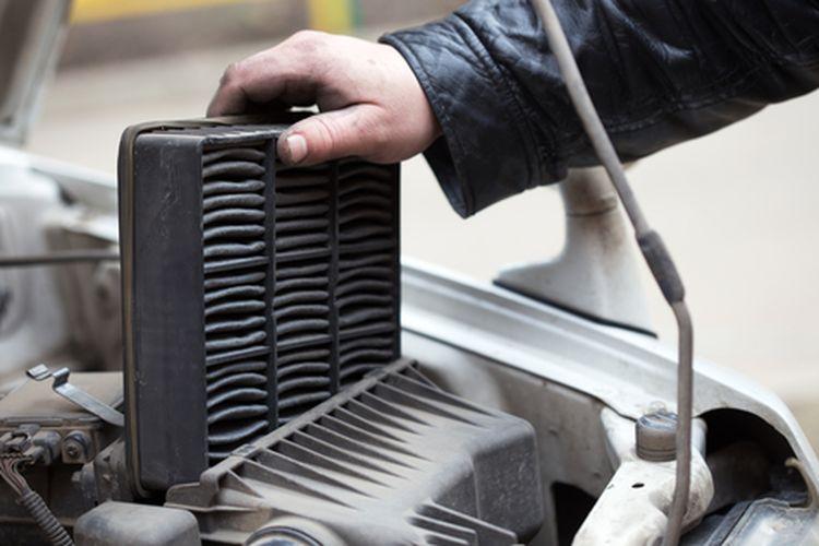 replacing the air filter, car repair