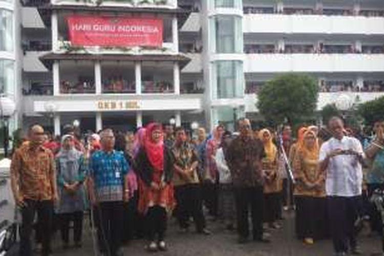 Suasana peringatan Hari Guru Nasional di Kampus Universitas Muhammadiyah Malang, Jawa Timur, Jumat (25/11/2016)