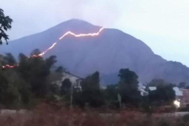 Lokasi kebakaran Bukit Anak Dara Sembalun
