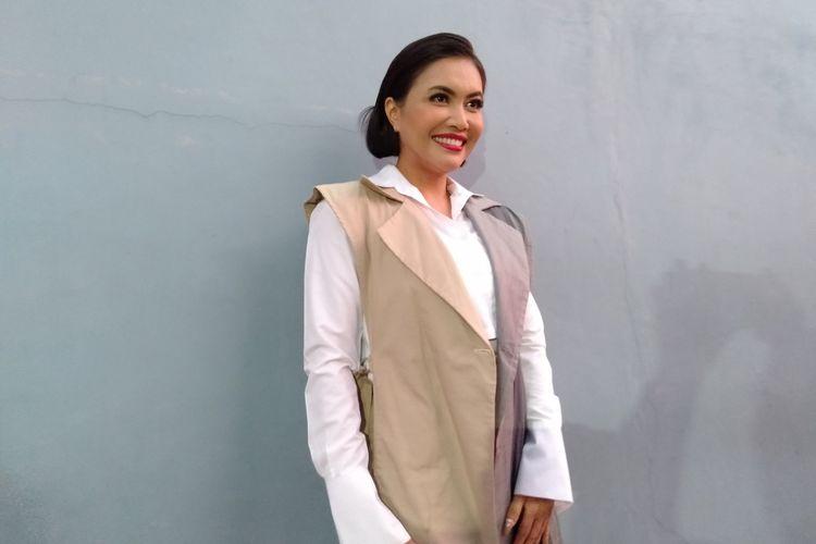 Denada ditemui syuting di Gedung Trans TV, Jakarta, Jumat (8/11/2019)