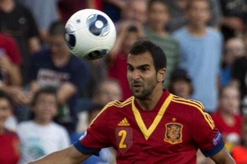Diminati Inter dan Napoli, Bek Barcelona Pilih Bertahan
