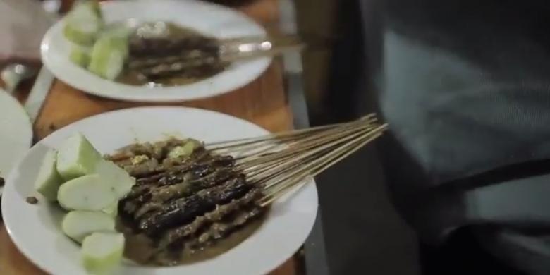 Sate Kalong, kuliner tradisional asal Cirebon yang sudah sulit ditemui.