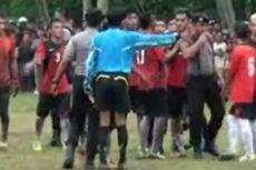Sepak Bola Bupati Mamuju Cup Ricuh, Pemain dan Suporter Pukul Hakim Garis