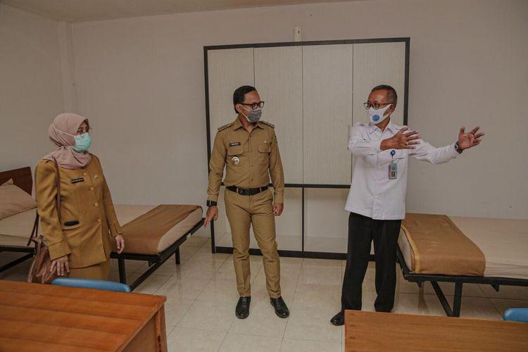 Wali Kota Bogor Bima Arya Sugiarto saat meninjau lokasi pusat isolasi Covid-19 di kawasan Badan Narkotika Nasional (BNN) Lido, Senin (7/9/2020).