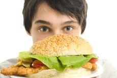 Riset: Pola Makan Ala Barat Bisa Ganggu Fungsi Otak