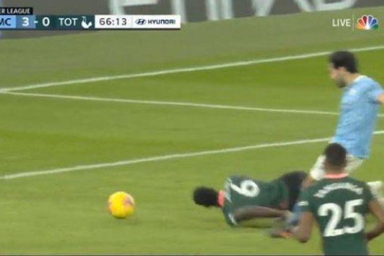 Proses terjadinya gol kedua Ilkay Guendogan dalam kemenangan 3-0 Manchester City atas Tottenham Hotspur di ajang Liga Inggris pada Minggu (14/2/2021) dini hari WIB.