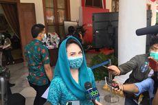 Emil Dardak Sehat, Arumi Bachsin Disuntik Vaksin Covid-19 di RSU dr Soetomo Surabaya