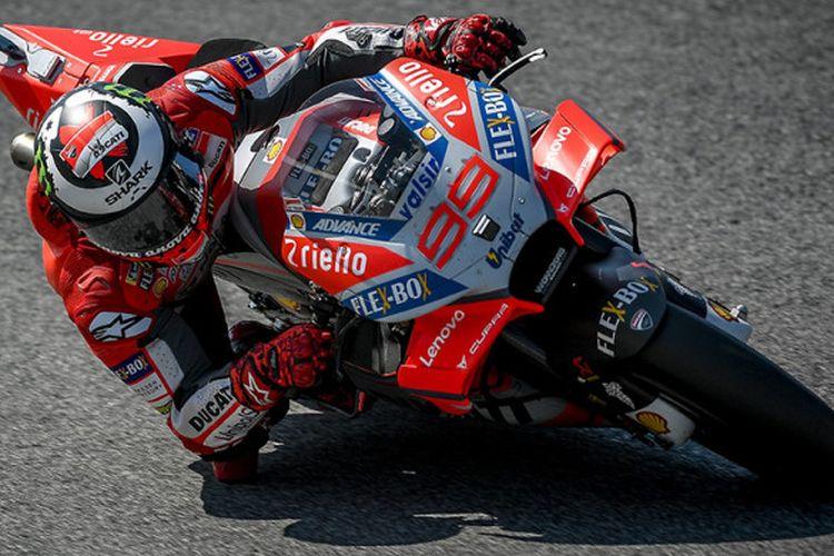 Jorge Lorenzo punya potensi membuyarkan impian Valentino Rossi karena unggul urusan top speed dan penghembatan ban.