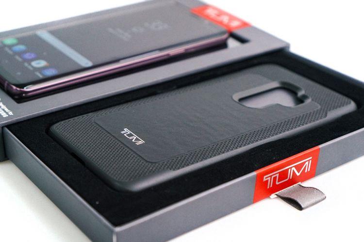 Bonus casing Tumi untuk pembeli Galaxy S9 Plus lewat sesi pre-order.