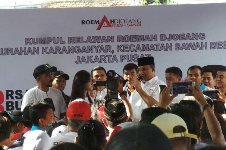 Cagub DKI Anies Baswedan saat kampanye di Sawah Besar, Jakarta Pusat. Kamis (6/4/2017)