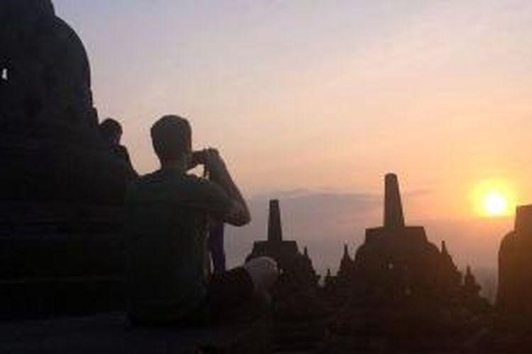 Kegiatan Mark Zuckerberg di Candi Borobudur, Minggu (12/10/2014)