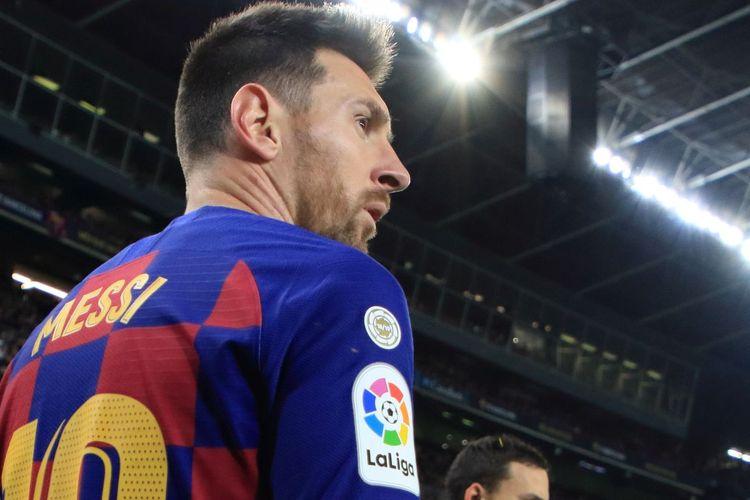 Mega bintang Barcelona, Lionel Messi, saat bermain dalam sebuah laga Liga Spanyol 2019-2020.
