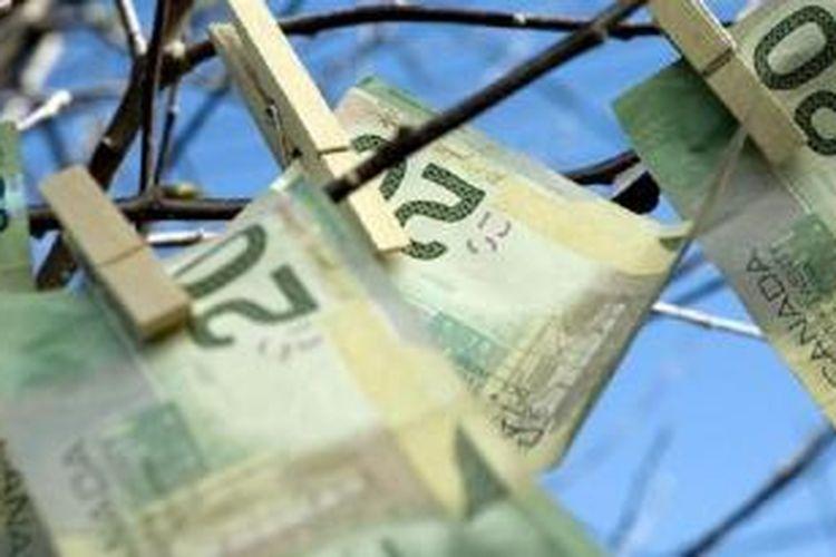 Walau ada sisi buruknya, ada keuntungan dari memiliki uang banyak, kata sebagian besar responden.