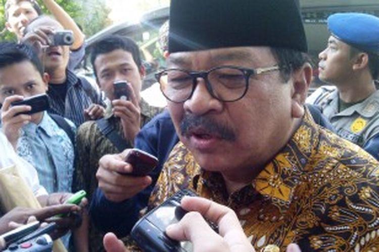 Gubernur Jatim Soekarwo, saat menghadiri acara di Universitas Islam negeri Maulana Malik Ibrahim Malang, Jawa Timur, Kamis (27/6/2013).