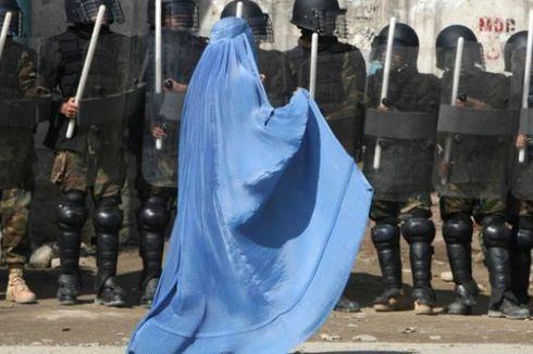 Taliban Berburka Serbu Kantor Polisi Afganistan