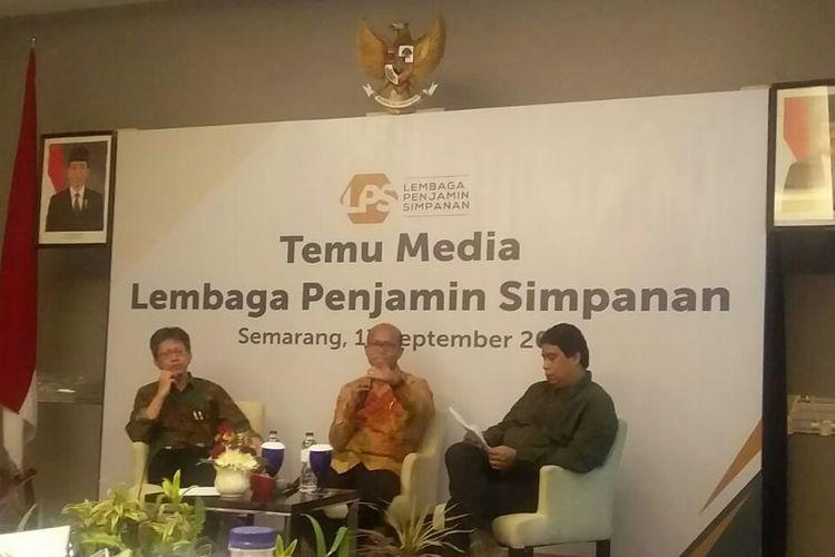 Sekretaris Lembaga Penjamin Simpanan (LPS) Muhammad Yusron saat temu media, Selasa (17/9).