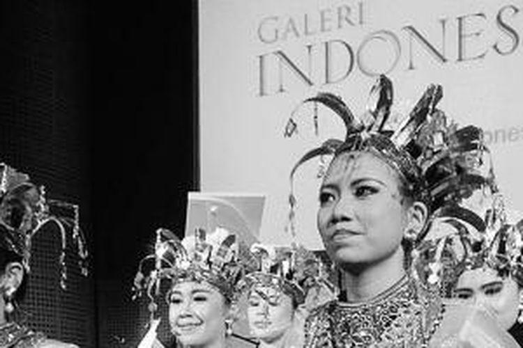 Institut Musik Daya Indonesia (IMDI) menggelar drama musikal di Galeri Indonesia Kaya, Jakarta, Minggu (13/7/2014). Drama musikal mengambil inspirasi cerita rakyat dari Pulau Komodo, Nusa Tenggara Timur (NTT). Selain IMDI, Kinarya GSP juga mempersembahkan tarian khas NTT diiringi oleh Doris, tokoh masyarakat Manggarai, NTT. Cerita rakyat yang dikemas dalam drama, musik, dan tari ini menyuguhkan budaya dan kearifan masyarakat NTT yang memesona.