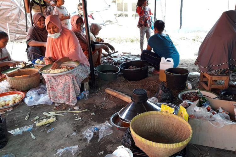 Suasana Dapur Umum di Posko Samsung Peduli Lombok